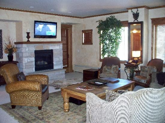 Highmark Steamboat Springs: the Living area - the picture doesn't do it justice