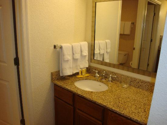 Residence Inn Washington/Dupont Circle: Bathroom