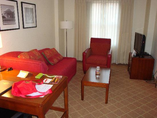 Residence Inn Washington/Dupont Circle: Living room