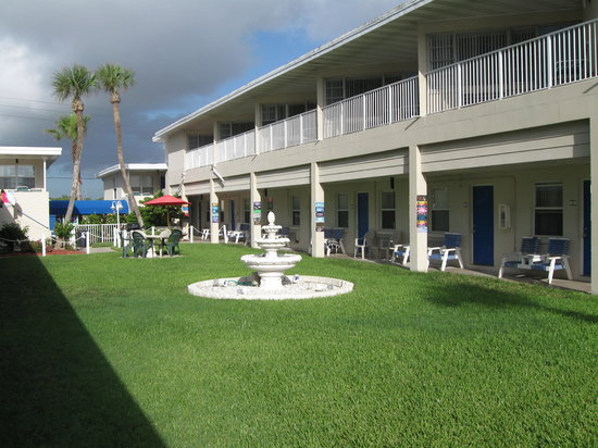 Ocean Court Motel : Motel building