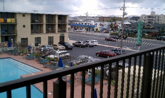 The Beachmark Motel: Balcony view from 3rd floor