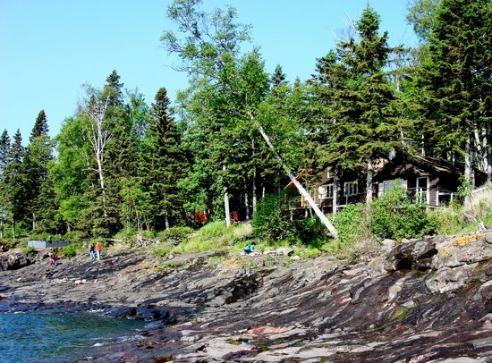 Solbakken Resort: Lake Superior Shoreline