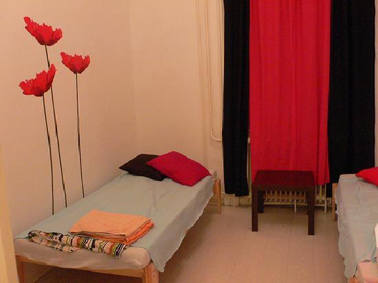 Nightingale Mini Hotel: 1st floor twin room at Mandragora Hosetl, Budapest by Heather on her travels