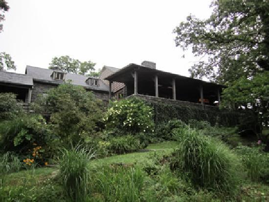 Gideon Ridge Inn: View From the Rear of the Inn