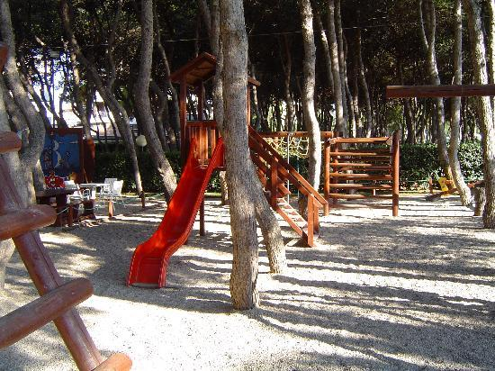 Giulianova, talya: giochi pineta