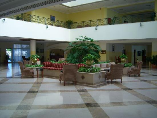 Grand Seas Resort Hostmark: Lobby