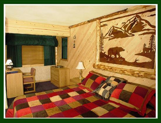 Tahoe Valley Lodge: King Bear Suite