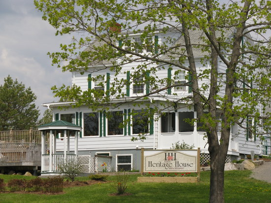Baddeck Heritage House Bed and Breakfast