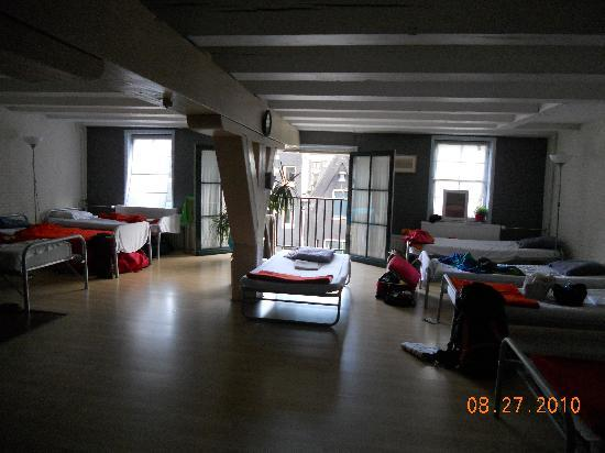 hostel livin picture of aivengo youth hostel amsterdam tripadvisor. Black Bedroom Furniture Sets. Home Design Ideas