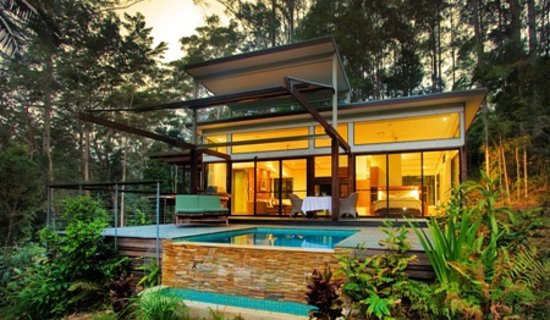 Crystal Creek Rainforest Retreat: Luxury Rainforest Lodge with heated plunge pool & double sided fireplace