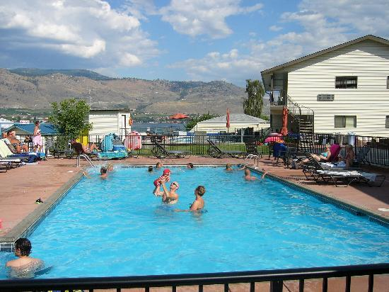 Osoyoos, Canada : saly water pool 