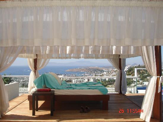 Grand Yazici Bodrum: view by swimming pool
