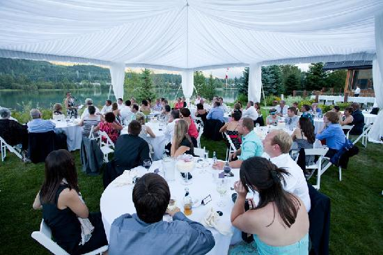 Edgewater Lodge & Restaurant: our marquee with stunning lake and mountains in the background
