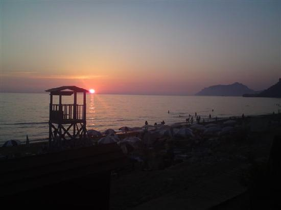 Aphrodite Apartments: Sunset from Thalassa restauarant