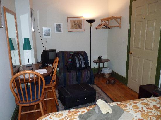 Les Amis - A Vegetarian Bed and Breakfast: Zimmer