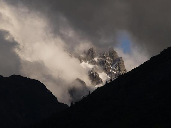Futaleufu, Χιλή: View of the Andes from H2O Patagonia lodge