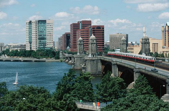 Cambridge, MA: Longfellow Bridge
