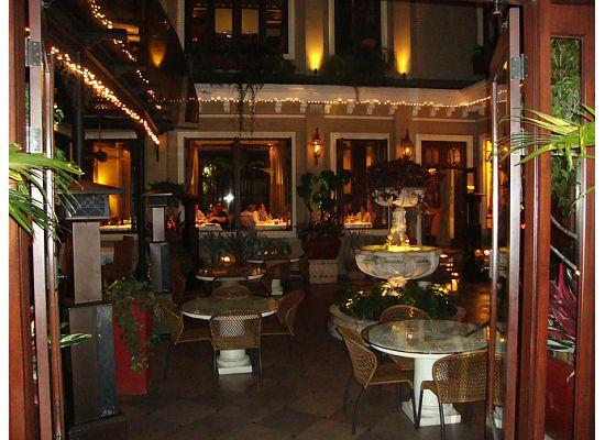 Hotel Grano de Oro San Jose: View of the dining room in the Courtyard
