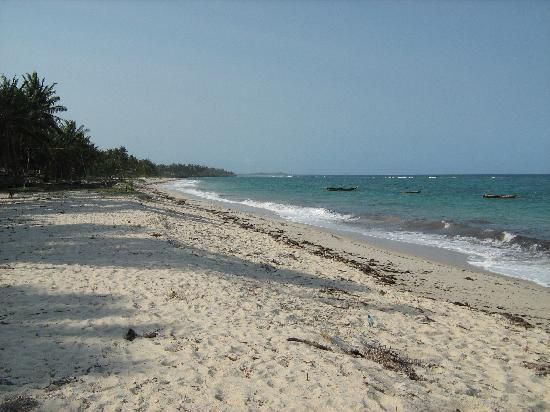 Tiwi, Kenia: Beach at Sheshe