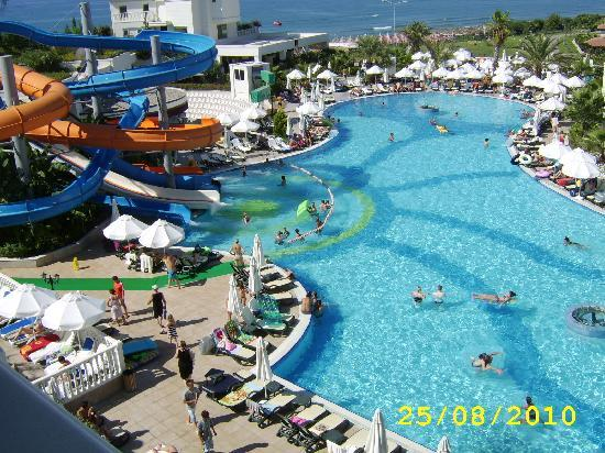 Purely a walkway into heaven picture of alba queen hotel colakli tripadvisor for Family hotels belfast swimming pool
