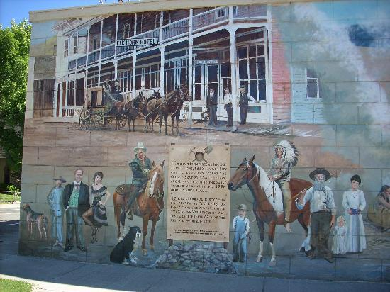 "BEST WESTERN John Day Inn: The towns history is impressive! This is painted along the side of a building - creating a ""stor"