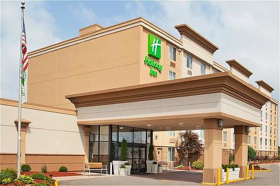 Holiday Inn Weirton, WV Hotel
