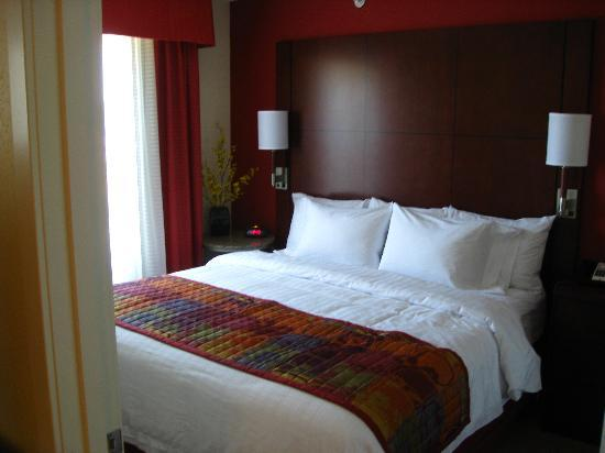 Residence Inn Concord: Room1