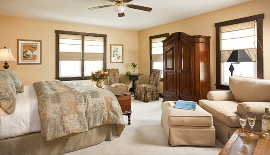 Delaware Inn at Rehoboth: The Master Suite - Room 4
