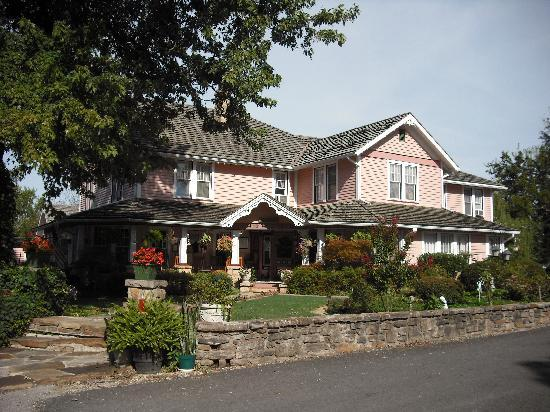 The Inn at Mountain View
