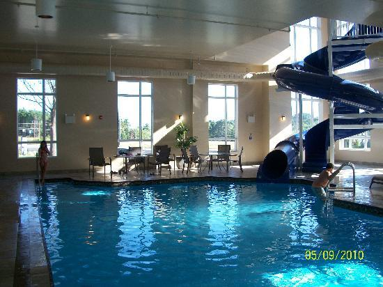 BEST WESTERN PLUS Bridgewater Hotel & Convention Centre: Kids loved the waterslide