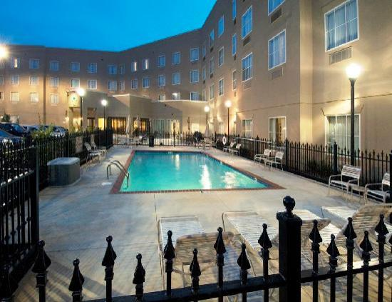Homewood Suites by Hilton Huntsville-Village of Providence: Outdoor Pool