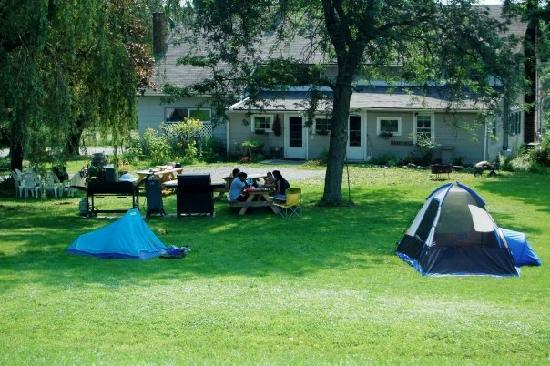 Inn At The Ridge: Camping out!