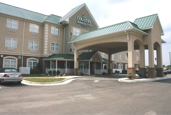 Country Inn & Suites Emporia