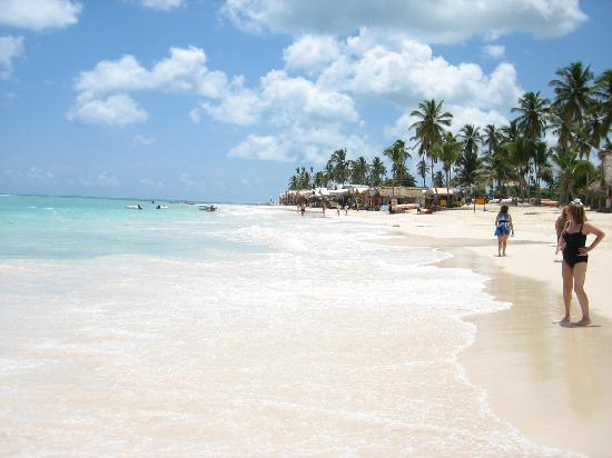 Iberostar Grand Bavaro Hotel: Beachfront at resort