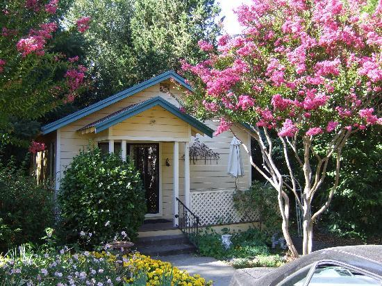 Seattle Backyard Cottage Guide : Quiet, private, but overpriced  Madrona Manor Wine Country Inn and