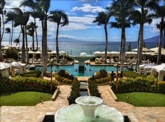 Four Seasons Resort Maui at Wailea: the grand view from the lobby