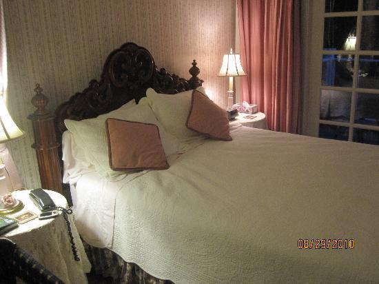BayView Bed and Breakfast: bedroom