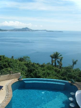 Ed Rock Villas: VIEW FROM TOP STOREY OUT TO CHEWENG BEACH