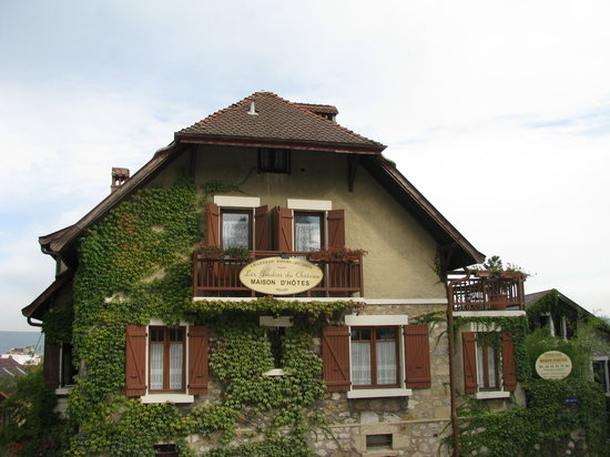 Jardin du Chateau Bed & Breakfast