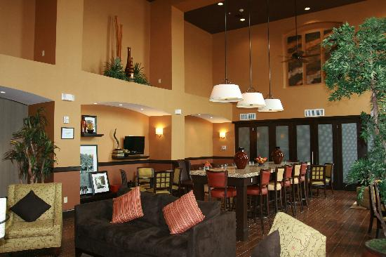 Hampton Inn & Suites Fort Worth / Forest Hills: Breakfast Area