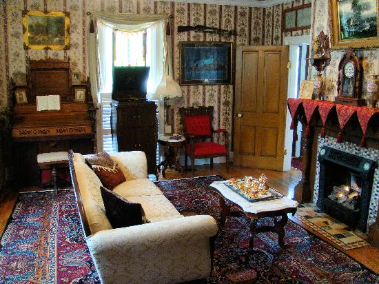 A. C. Stickley Bed and Breakfast: Parlor