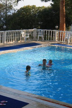 Sarigerme, Tyrkia: our &#39;private pool&#39; when water slides not on