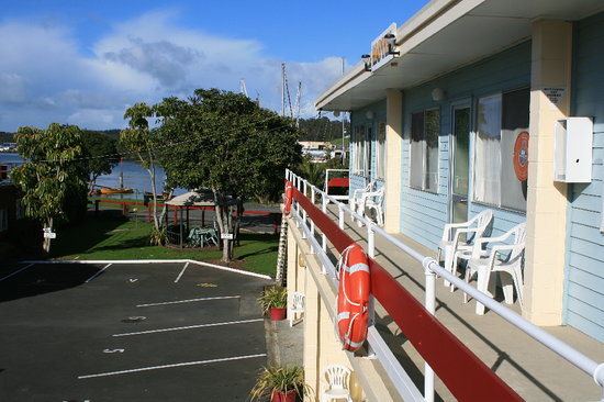 Marina Court Motels And Apartments