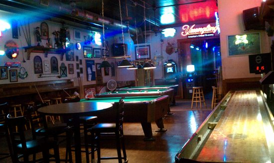 Thumpers Downtown Bar & Grill