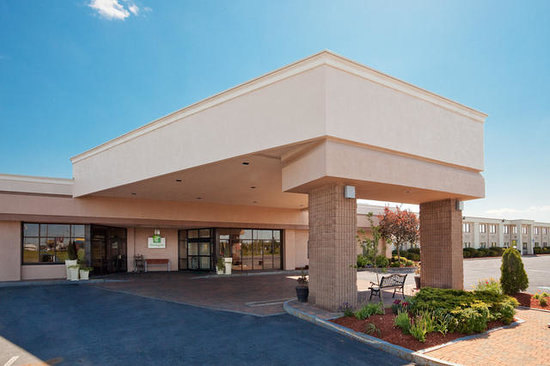 Holiday Inn Waterloo-Seneca Falls: Entrance