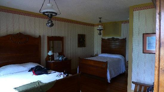 The Murphys Historic Hotel: Daniel Webster Room