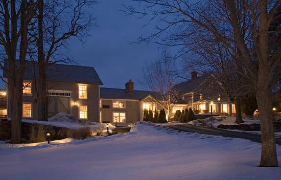  , : Chesterfield Inn Front Yard in Winter