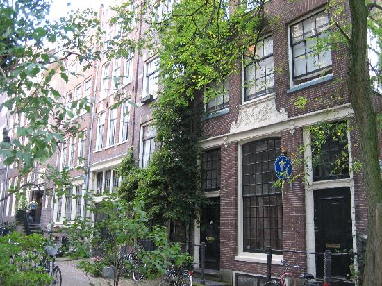 Boogaard's Bed and Breakfast: If you head straight south down the Langestraat, it leads you this sweet little spot. Seasons is