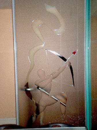 Etched glass designs bangalore for Glass cut work designs