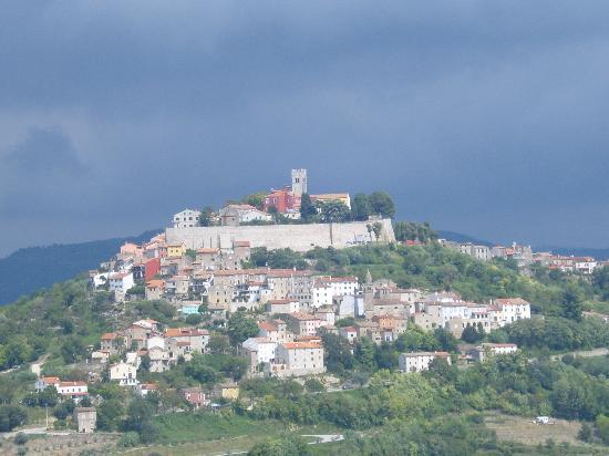 Motovun, Kroatien: views